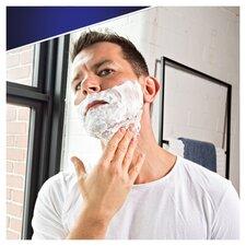 image 3 of Gillette Skin Guard Sensitive Shaving Gel 200Ml