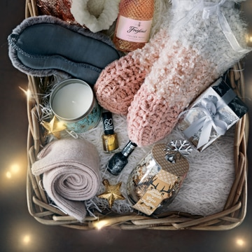 Christmas gifts and decorations | Christmas presents ...