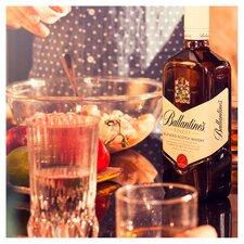 image 3 of Ballantine's Finest Blended Scotch Whisky 1L