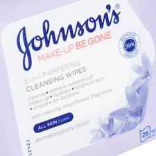 image 2 of Johnson's Face Care Pampering Wipes 25