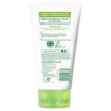 image 3 of Simple Kind To Skin Moisturising Facial Wash 150Ml
