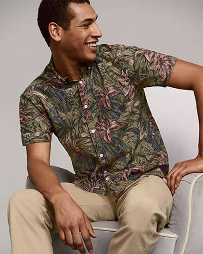 Short sleeve shirt with khaki leaf and purple-red flower print