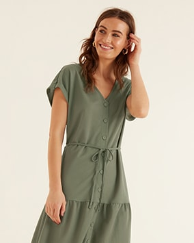 Short sleeve, button-through v-neck dress with thin fabric tie belt
