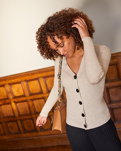 Ribbed, button-through cardigan with black buttons