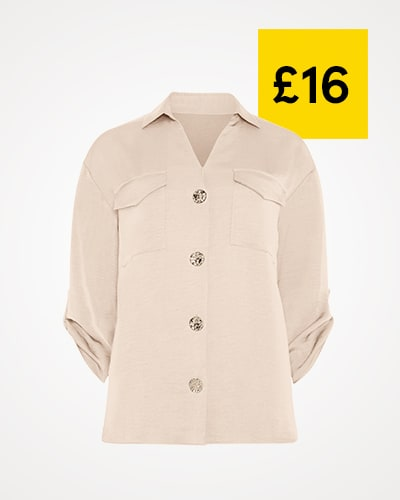 Light beige shirt with chest pockets and hammered gold effect buttons